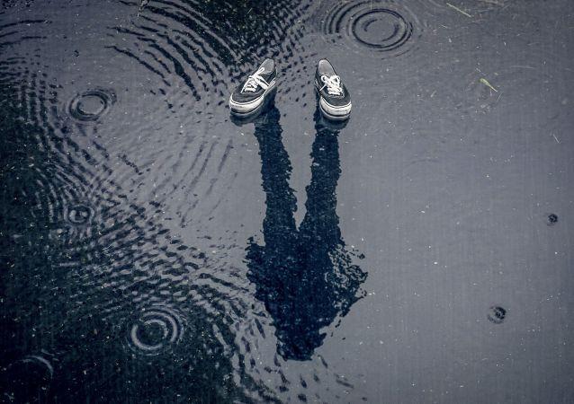 حذاء مبتل