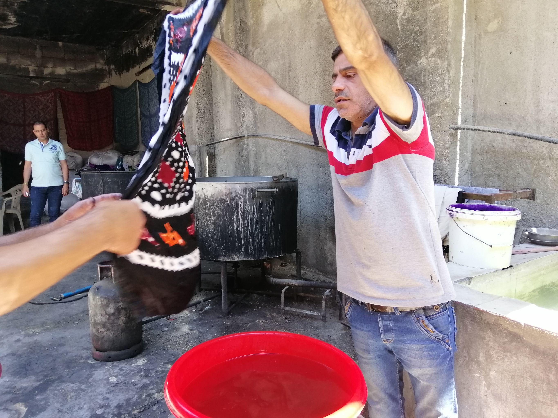 الهباري السوري هدية حلب الحريرية إلى نساء العالم