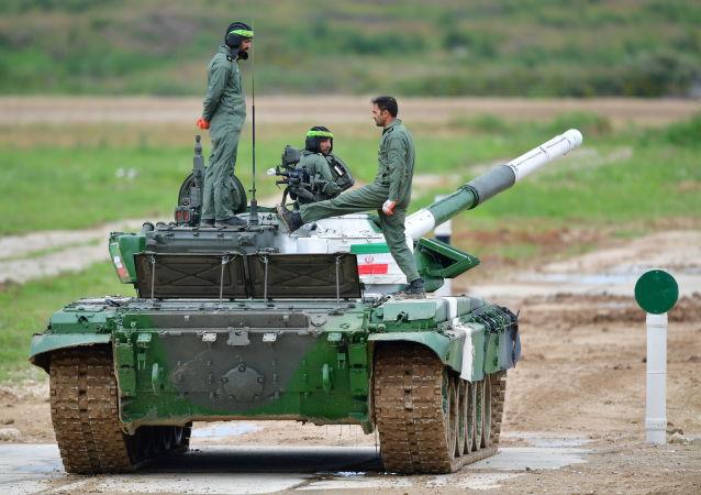 دبابة الطاقم الإيراني أثناء دورة الألعاب العسكرية الدولية – 2019