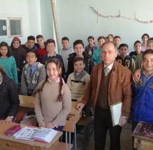 درس لغة روسية في إحدى المدارس الريفية في سوريا