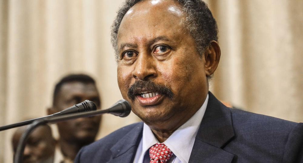 الرئيس المصري يستقبل رئيس الوزراء السوداني