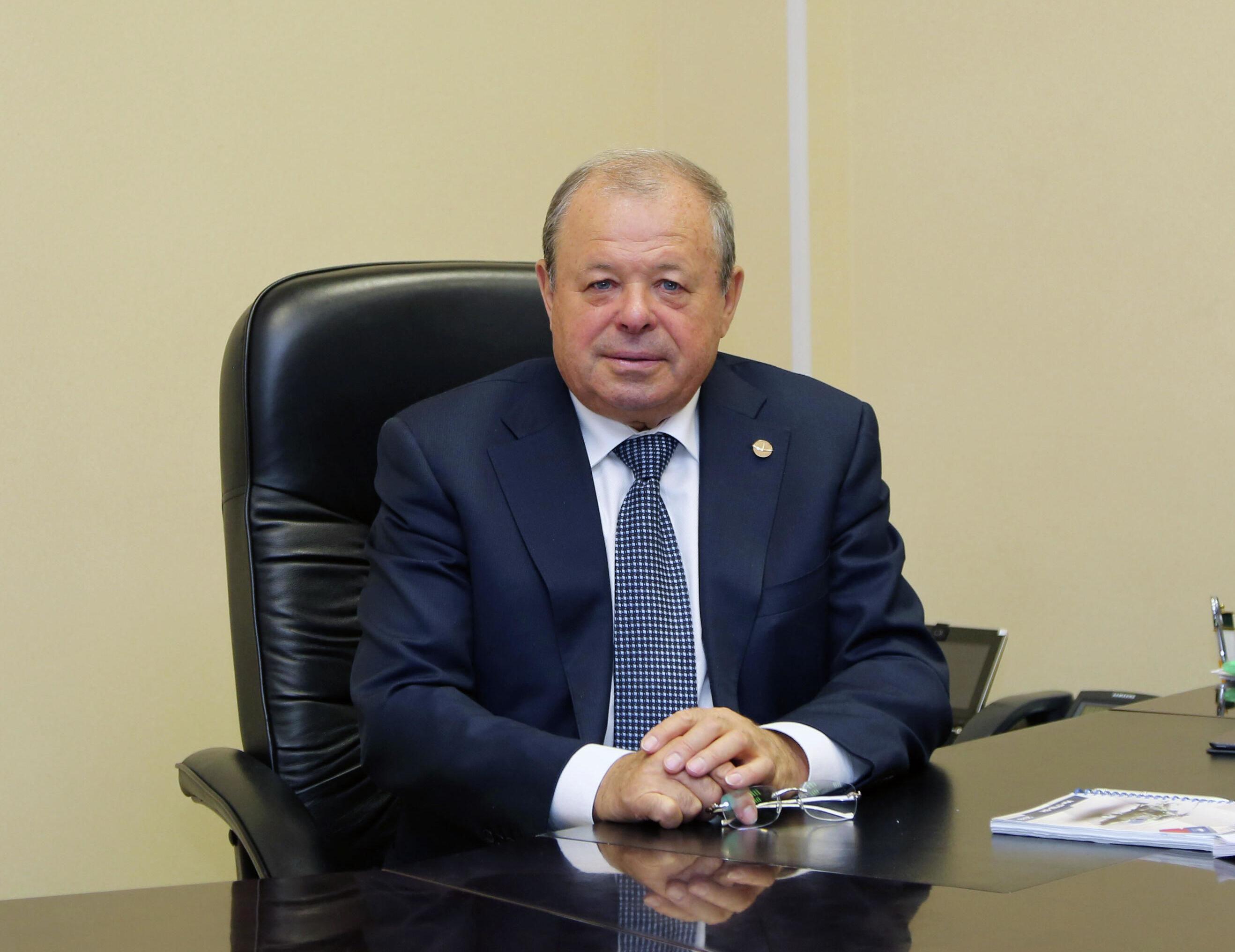 مدير مصنع الطائرات بمدينة أولان أودي، ليونيد بيليخ