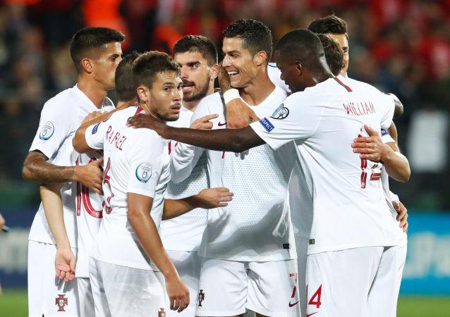 البرتغال وليتوانيا (5-1) رونالدو يحرز سوبر هاتريك