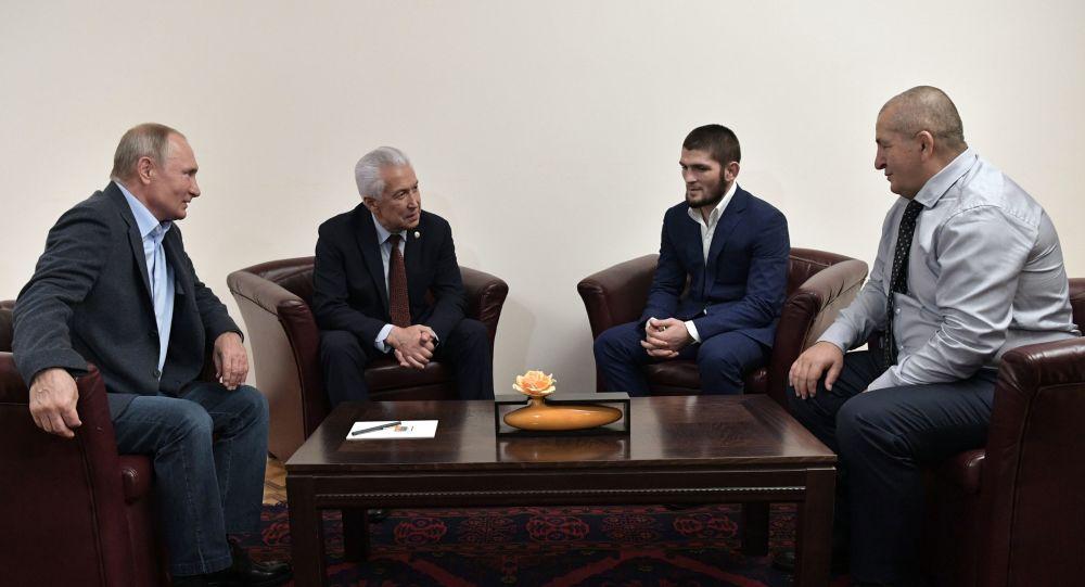 حبيب نورمحمدوف يلتقي مع الرئيس الروسي فلاديمير بوتين