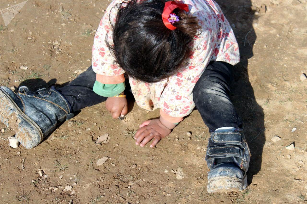 قسد يعتقل عشرات العرب شرق الفرات ويقتاد 200 طفل من الهول لجهة مجهولة