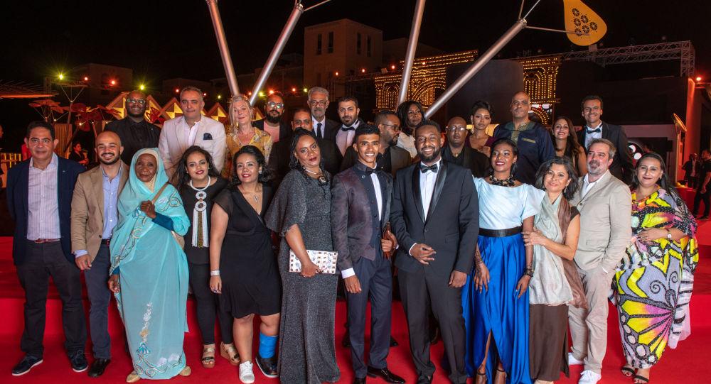 أبطال وصناع الفيلم السوداني ستموت في العشرين في مهرجان الجونة السينمائي الثالث، 20 سبتمبر/أيلول 2019