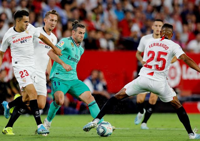 ريال مدريد وإشبيلية في الدوري الإسباني