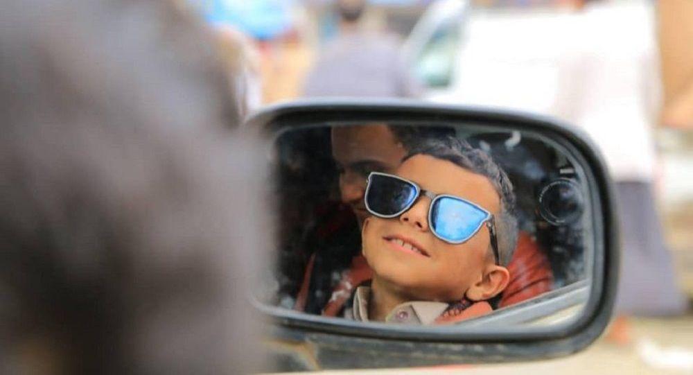 الطفل اليمني عمرو أحمد بائع المياه