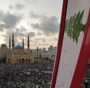 لبنان ينتفض تظاهرات واحتجاجات في بيروت