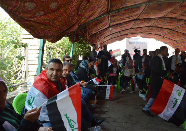 محامو العراق يتكفلون قضايا المتظاهرين مجانا