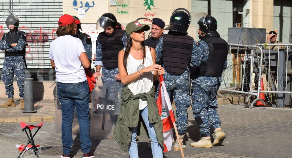 خبيرة لبنانية: المتظاهرون لن يسمحوا بانعقاد جلسة مجلس النواب إلا في هذه الحالة