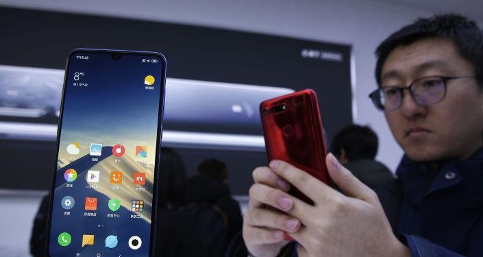 """""""للفقراء"""".. الكشف عن أقوى هاتف ذي مواصفات مميزة"""