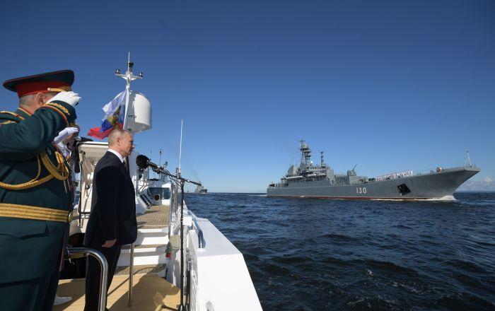 وسائل إعلام غربية تشيد بالعرض البحري الروسي