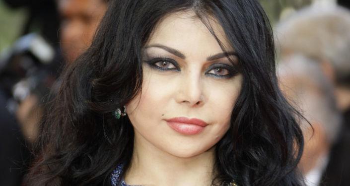 هيفاء وهبي توجه نداء لناج محتمل تحت الأنقاض في بيروت