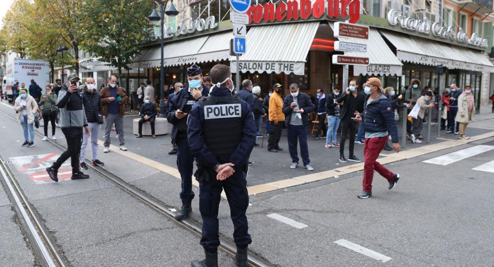 """احتجاجات واسعة في فرنسا ضد تصريح """"المرور الصحي"""""""