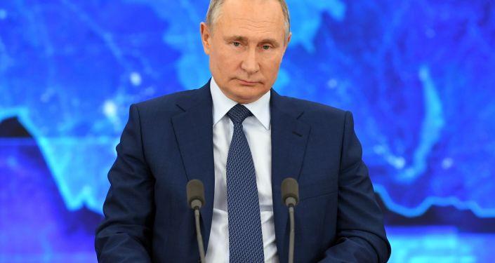 """بوتين يحيل اتفاقية تمديد """"نيو ستارت"""" إلى الدوما للمصادقة عليها"""