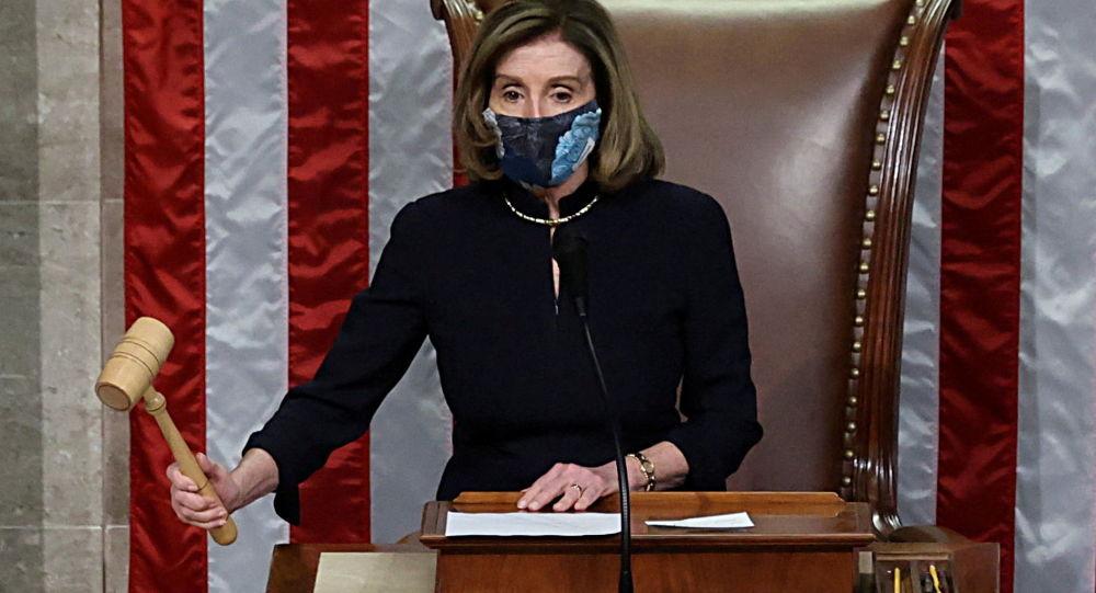 رئيسة مجلس النواب الأمريكي تدعو بايدن لإلقاء كلمة بالكونغرس يوم 28 أبريل