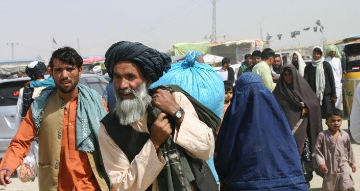 الدوحة: قطر تبني مساكن وتوفر 55 ألف وجبة يوميا للاجئين الأفغان