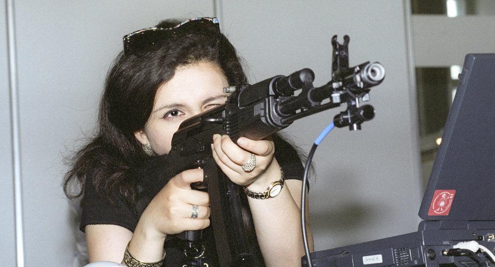 محاكي الرماية بالأسلحة