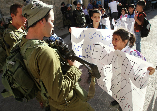 الافراج عن أصغر أسيرة فلسطينية