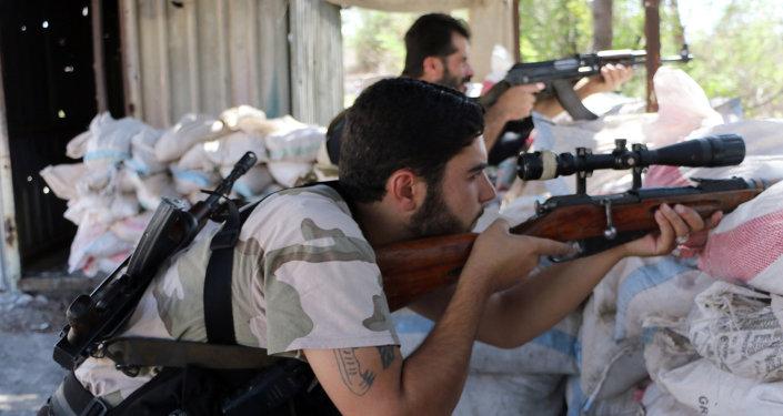 مقاتل من الجيش السوري الحر