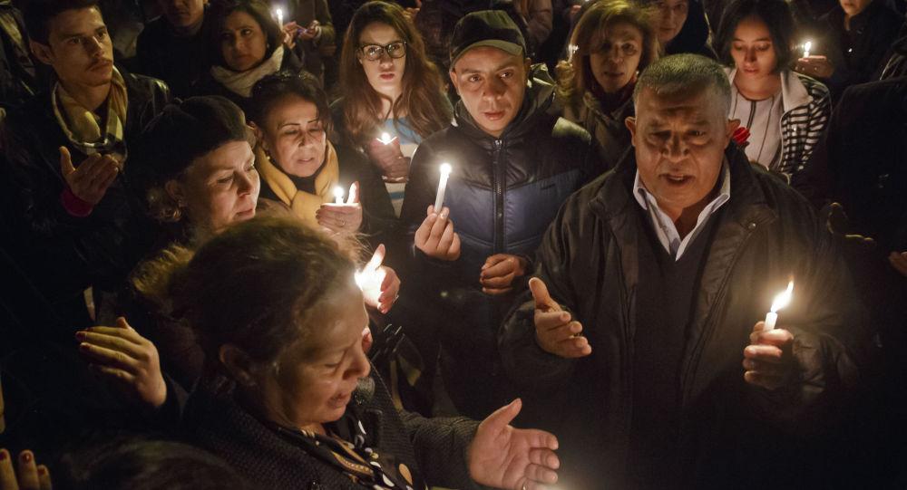 التونسيون يتذكرون ضحايا متحف باردو