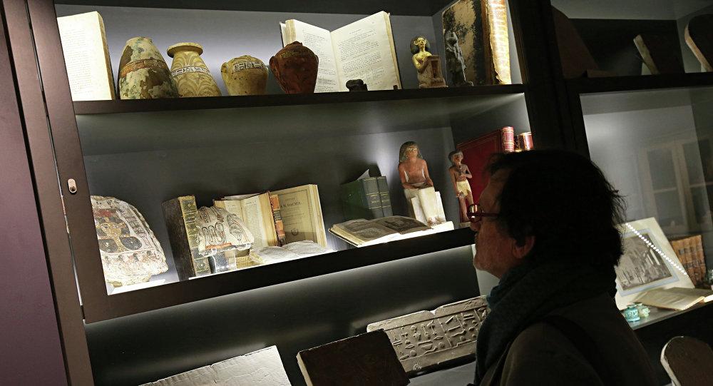 تحف وآثار مصرية في متحف إجيزيوالأثري في إيطاليا