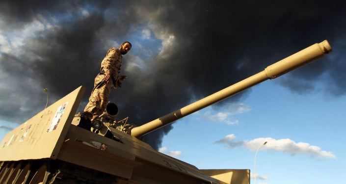 جندي ليبي في بنغازي