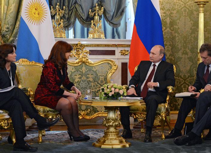 الرئيس الروسي فلاديمير بوتين يلتقي رئيسة الأرجنتين، كريستينا فرنانديز دي كيرشنر