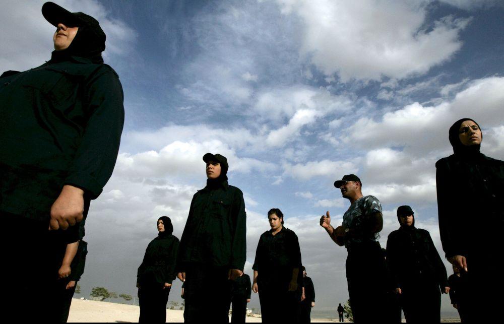 النساء الفلسطينيات في صفوف قوات الأمن الفلسطيني