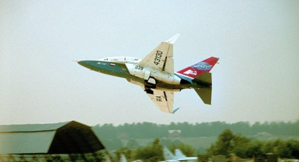 طائرة القتالية التدريبية من طراز ياك –40