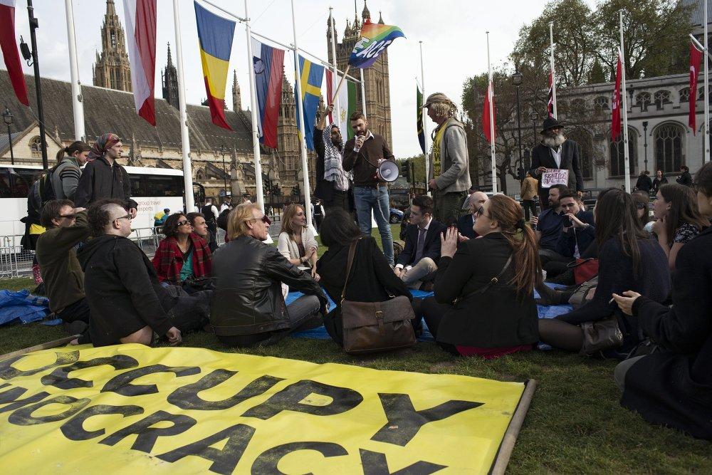 حملة احتلوا الديمقراطية في لندن