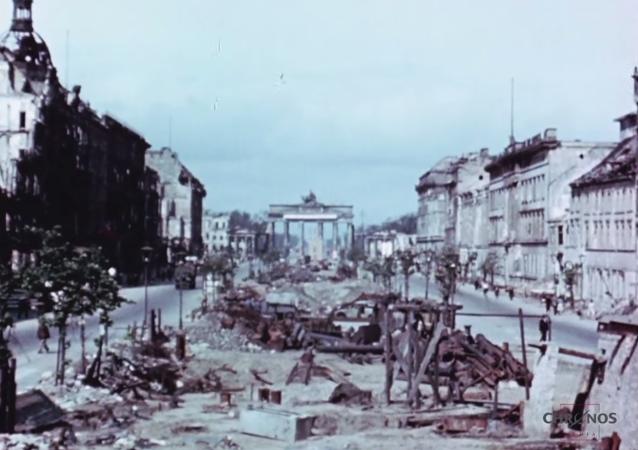 بالألوان - الحياة فى برلين بعد إستسلام القوات النازية أمام الجيش السوفييتي 1945