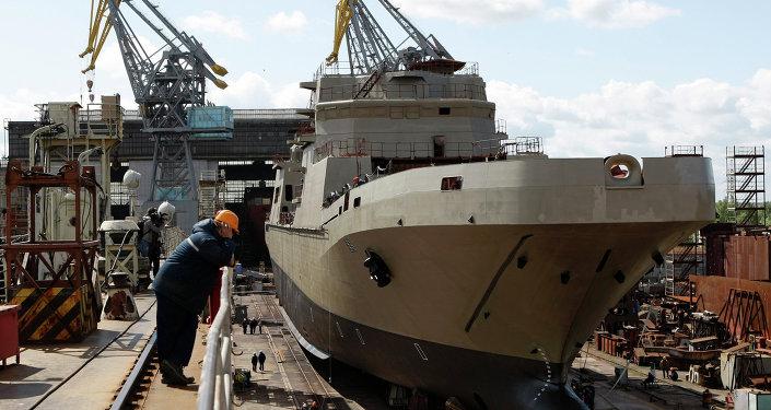 السفينة البرمائية الكبيرة إيفان غرين