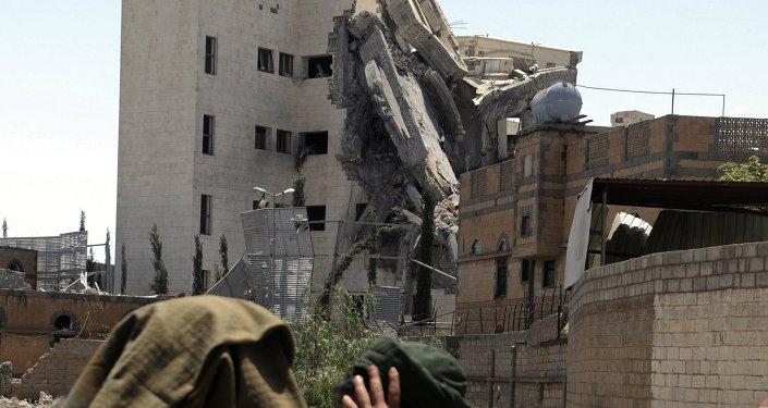 التحالف العربي يقصف مقر إقامة الرئيس السابق لليمن علي عبدالله صالح