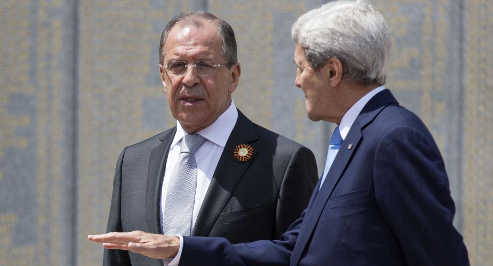 وزير الخارجية الروسي سيرغي لافروف ووزير الخارجية الأمريكي جون كيري