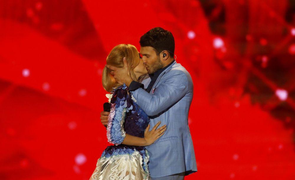 المغنيان مونيكا لينكيت وفايديس باوميلا
