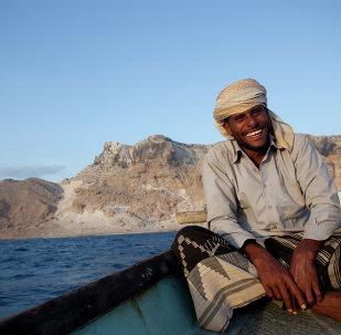 صياد يمني فى جزيرة سقطري اليمنية