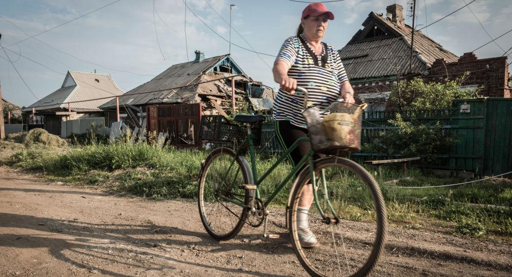 آثار القصف الأوكراني لمدينة غورلوفكا