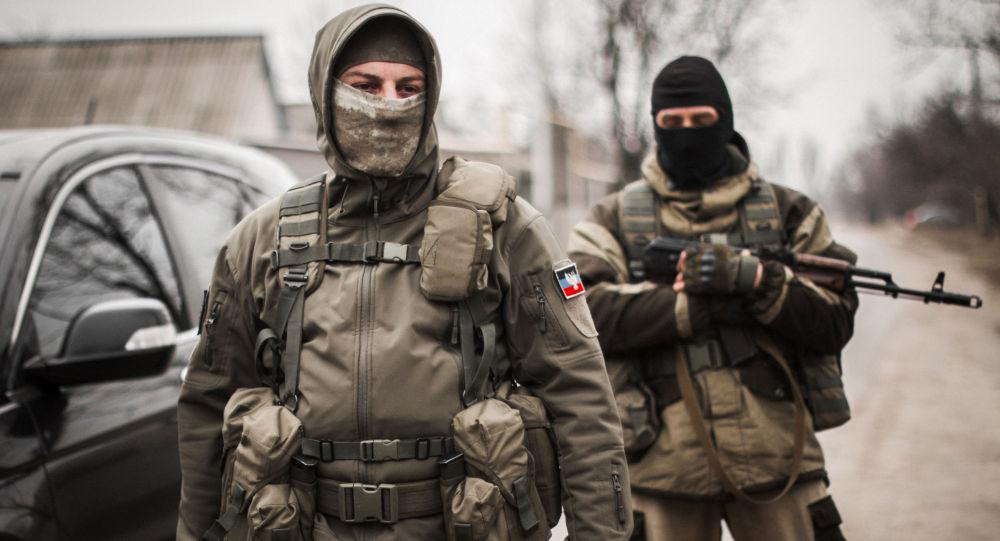 عناصر من قوات جمهورية دونيتسك الشعبية