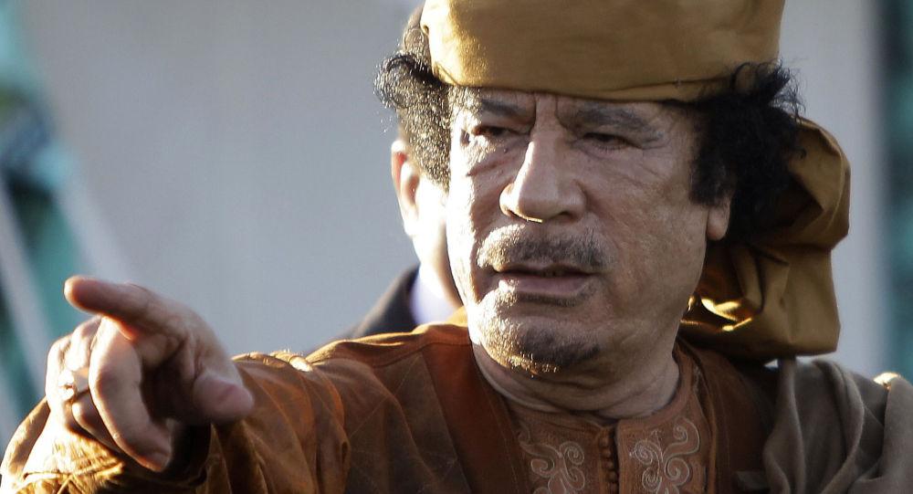 الرئيس الراحل لليبيا معمر القذافي