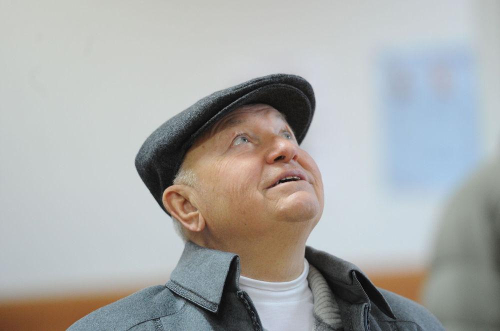 رئيس بلدية موسكو السابق يوري لوجكوف