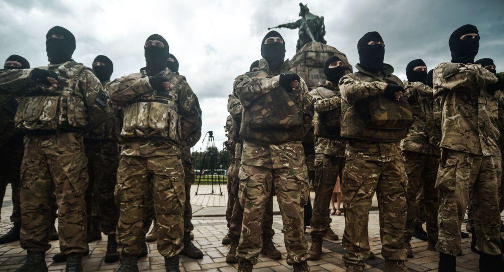 كتيبة آزوف للمتطوعين النازيين الأوكرانيين