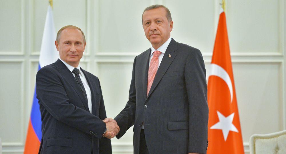 اللقاء بين الرئيسين الروسي فلاديمير بوتين والتركي رجب طيب أردوغان في باكو