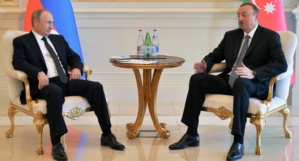 اللقاء بين الرئيسين الروسي فلاديمير بوتين والأذربيجاني إلهام علييف في باكو