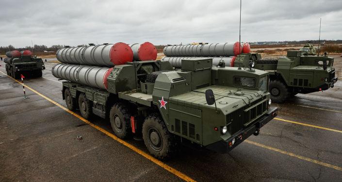 قواذف صواريخ إس-300