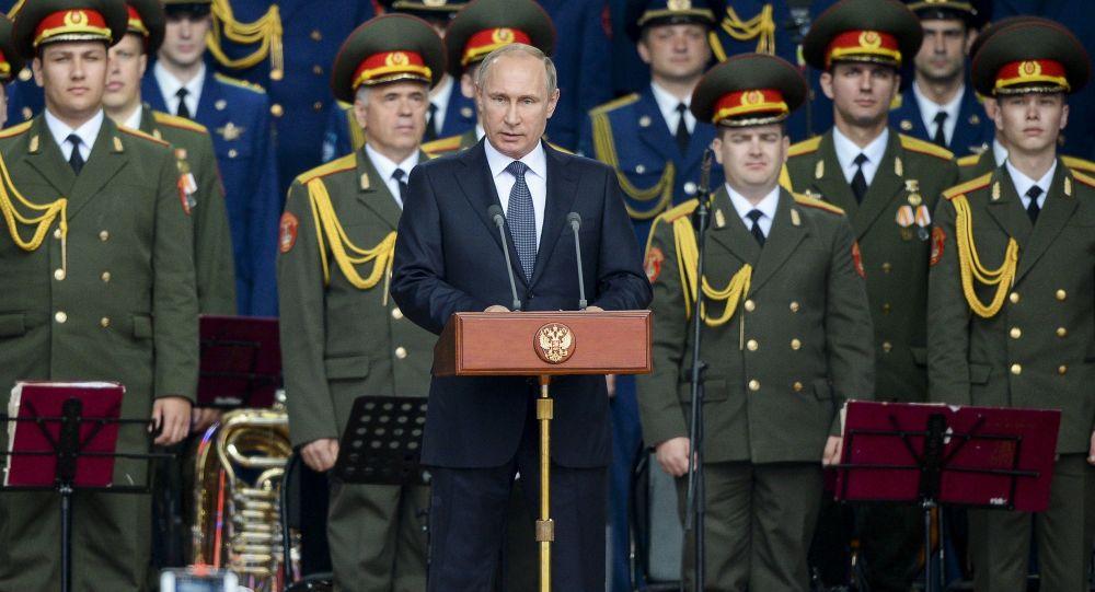 الرئيس الروسي فلاديمير بوتين خلال حفل افتتاح منتدي الجيش - 2015
