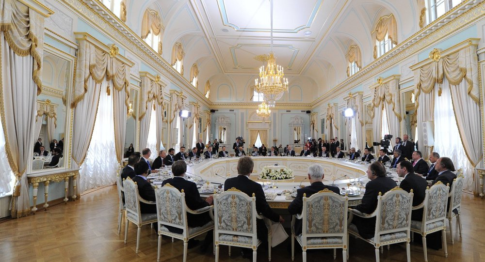 اجتماع منتدى بطرسبورغ الاقتصادي الدولي