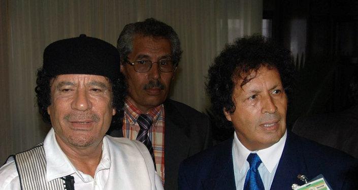 معمر القذافي وأحمد قذاف الدم
