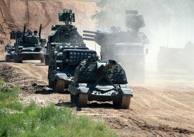 معدات عسكرية خلال المنتدي العسكري التقني آرميا 2015 فى موسكو